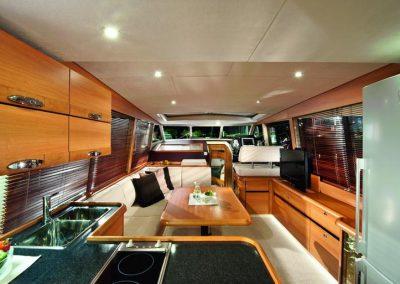 gl40-interior-02